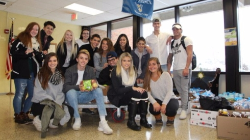 Schroeder students with Thanksgiving donation - Photo 1