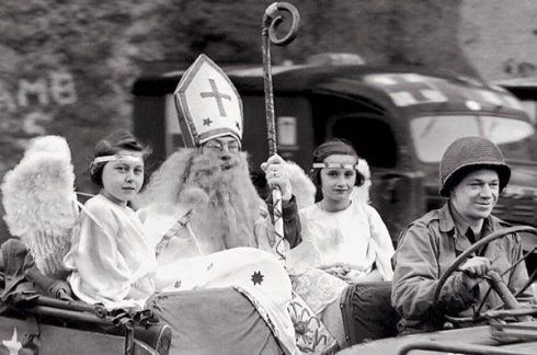 TheAmericanStNick with angels dec 5 1944