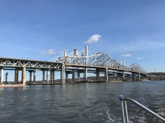 The new Tappan Zee Bridge next to the old
