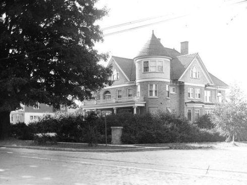 183 east main street
